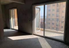 满庭春供暖三房 中层 采光好 满二 有超大阳台 价格可谈