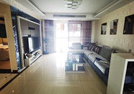 锦绣江山 精装三房 开放式厨房 基本没做过饭 家里是现代风格 保您喜欢 房子保养的非常好 满五唯 一