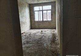 大润发附近姜店小区私房两间四层毛坯城南