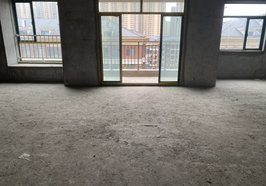 新城壹号五期花园洋房  117平 3室2厅2卫  81万