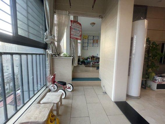 三中附近 三合鑫城 精装 满二 出门就是商城 买菜购物方便