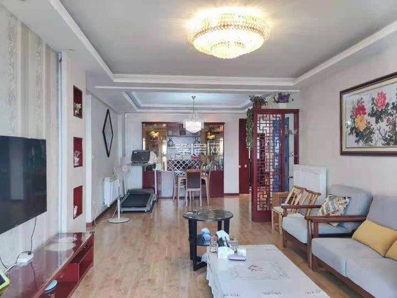 鸿博学府3室2厅2卫豪华装修房出售