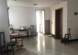仙桃商城附近 中药材宿舍装修三房 步梯中层 证满2年 拎包入住