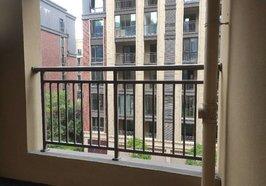 綠地香格里拉電梯洋房,毛坯大三房,環境優美,居住舒適度高,