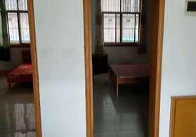 四中斜对面学区房两房一厅诚意出售
