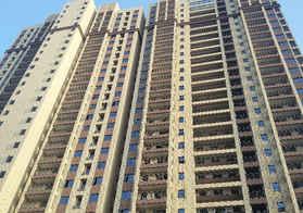 新城碧水園一期B2大三房出售,簡單裝修滿二,紅本在手直接過戶
