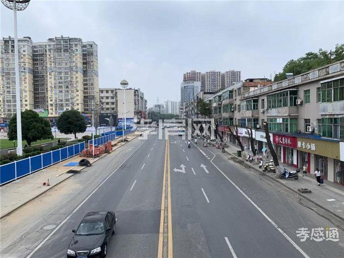 新合作城站路商业街实景图