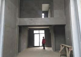 新城二其 毛坯复式 197平大五房三卫 双阳台 还送两个大露台