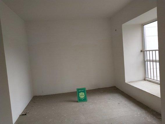 城南 福星城 毛坯三房  电梯中高层  诚心出售