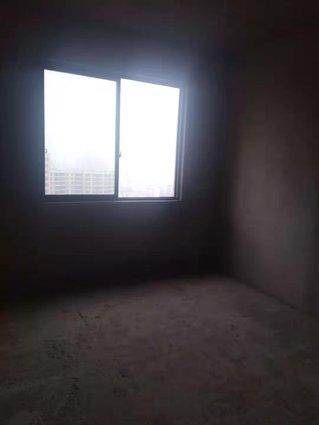 城中二小附近鳳凰城電梯中層3*2*2*全新毛坯