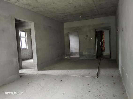 新城学府名居  毛坯两房 学区房 35万低价出