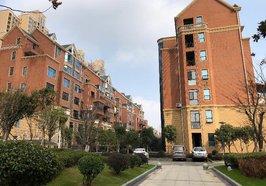 108平,靠近万达广场,三室两厅一卫,可做仓库