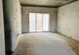 香岸华府  电梯中层 毛坯三房 114平  61万  有钥匙可随时看房