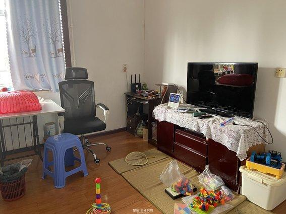 江汉油田向新小区三房出售