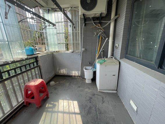 121平 59W 世纪雅园 单价4900 带装修 楼层好 视野无遮挡 拎包入住
