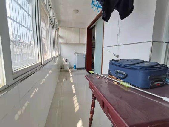 兴盛家园 3室2厅2卫 精装修 可拎包入住  价格可小刀