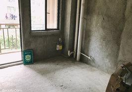 绿地华庭锦城 独栋步梯洋房 毛坯四房  户型很好 采光很好 房大厅大 看房方便