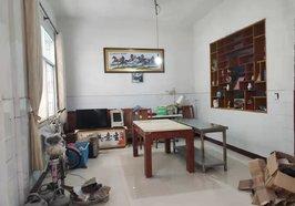 黄荆小区中心街 私房一栋两杆三层 看房方便 诚心出售 证件齐全